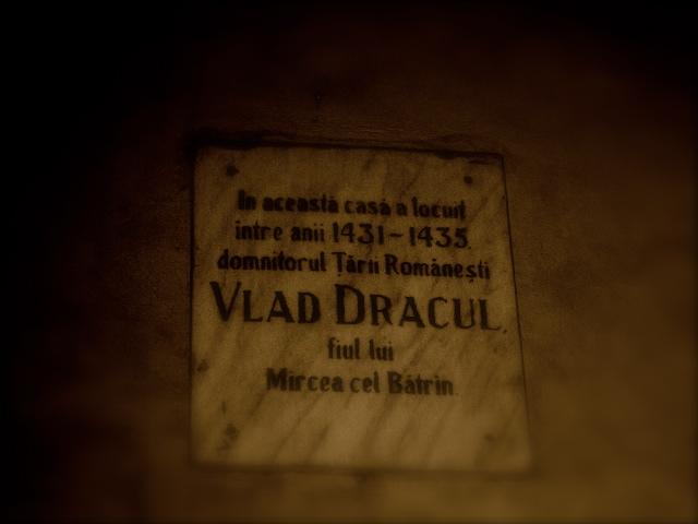 Vlad Dracul vivió desde 1431 a 1435, murió en Budapest en el año 1476.