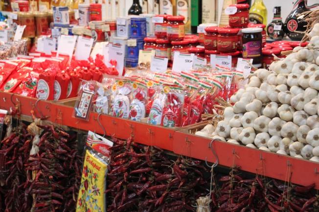 Detalle en uno de los puesto del Mercado Central de Budapest